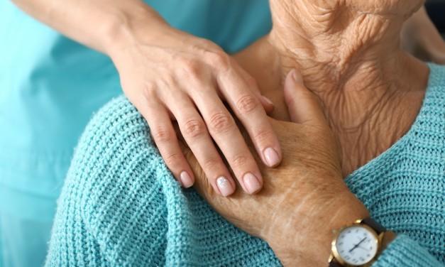Sozialausschuss beschließt Änderungsanträge der Koalition – mehr Geld für die Pflege