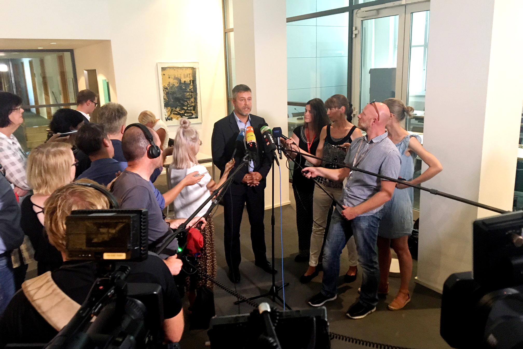 Pallas: Innenausschuss sollte auch Journalisten anhören